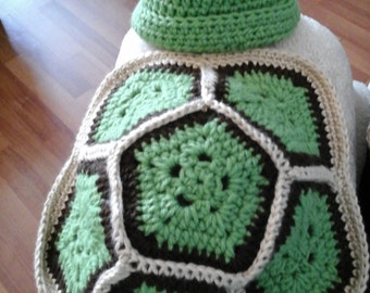 Newborn Turtle hat and shell