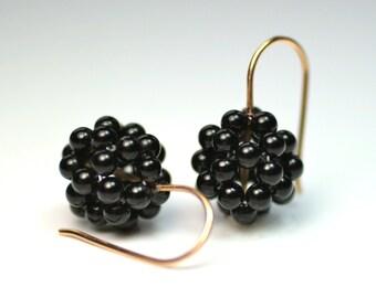 BlackBerry Ohrhänher - 750 gold with Onyx