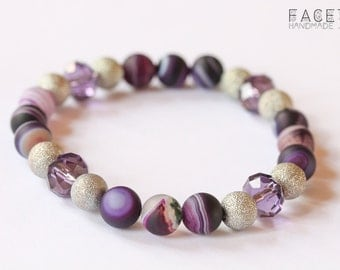 Stunning purple and silver bracelet, with round agathe beads and silvery beads