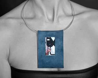 Handmade unique necklace - Rauchblaues high-quality leather and stainless steel, graphics on the metal