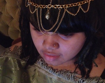Head Chain With Caged Pearl