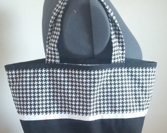 Houndstooth Tote Bag // Purse // Carry All