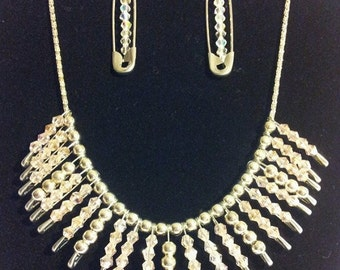 Silver pin necklace with pin earrings