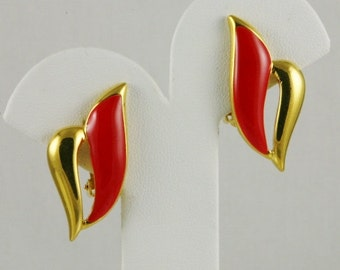 Vintage Red Enamel Golden Flair Red and Gold Clip On Earrings