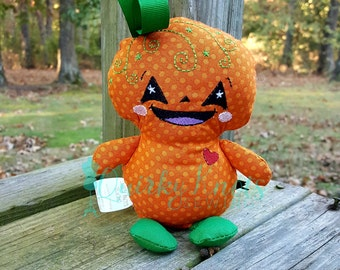 pumpkin doll-pumpkin toy-dolls and daydreams-halloween toy-fall toy-halloween doll-cloth doll-small doll-stuffed toy-halloween stuffed doll