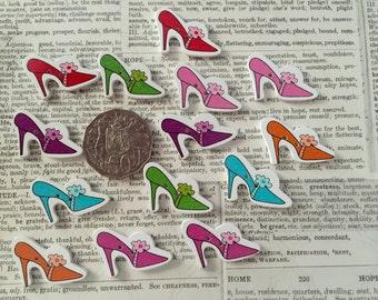 14 Shoe Buttons