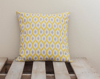 18x18 Handmade Pillow Cover (Honeycomb w/ grey back)