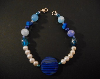 White and Blue Tiny Pearl Luster. Mixed beaded bracelet.