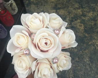 Small Blush brooch bouquet with pearls