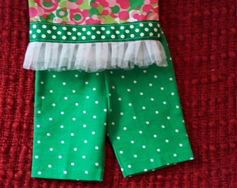 Green dotted capri