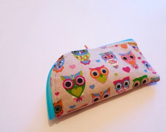 Glasses case made from canvas.  Fully lined with contasting zip.