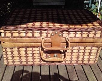 Vintage Gingham Lined Wicker Picnic Basket