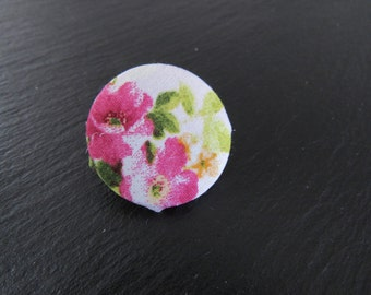 PIN to back of coat, Bouquet