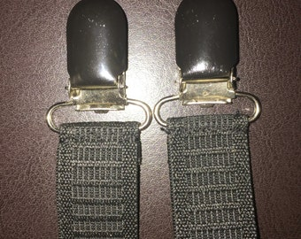 Plain black boot straps.