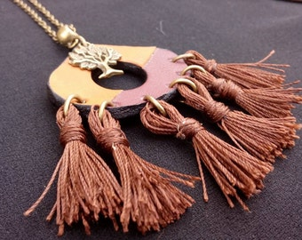 Ethnic pompom necklace Bordeaux and camel