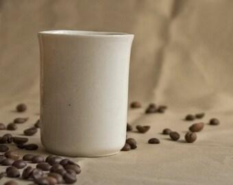 minimalist / porcelain mugs for coffee, tea or juice / porcelain / tender