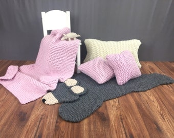Super Cude Bear Rug for Boys And Girls. Hand Knitted Children's Bear Rug. Natural Fibres.