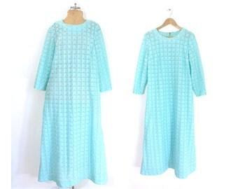 60s knit dress size large | light blue dress, eyelet dress, day dress, shift dress, mad men dress, 60s dress, maxi dress