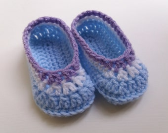 Crochet booties for baby boy