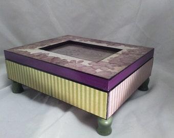 Small jewelry box/Rainy Violets