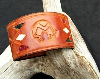 Zuni bear leather cuff, handpainted hand tooled leather cuff, heartline bear, Native American Zuni bear, southwestern leather cuff bracelet