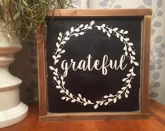 "13.5""x13.5"" Grateful Wreath/wood sign/word art/distressed sign/wall décor/rustic"