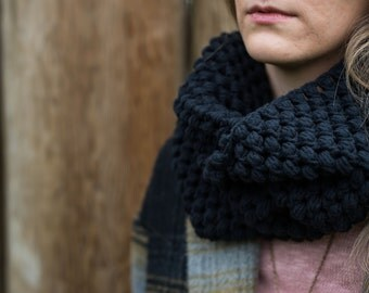 Black Infinity Puff Stitch Scarf