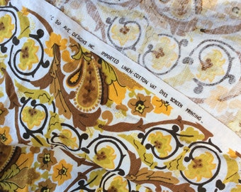 Bold Vintage Fabric/Floral Fabric/Drapery Textile/Yellow and Gold