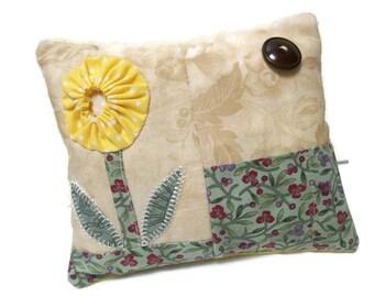 Patchwork yo-yo flower pincushion, yellow, beige, green, sewing accessory, sewing caddy, pins and needle storage, pincushion
