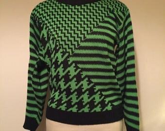 Vintage unisex geometric black and green sweater size medium