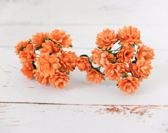 20 15mm orange mulberry flowers with wire stems - 1.5 cm