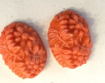 Vintage glass (2) cabochons coral red  cabochons pressed carved cabs flowers Cherry Brand Occupied Japan  (2)