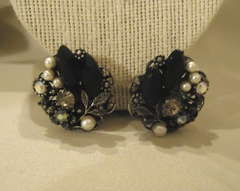 Beautiful Vintage Victorian Black Pearl and Crystal Clip Earrings