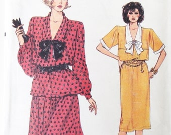 Vintage 80s Vogue 9190 Sewing Pattern Dress Top and Skirt Very Easy Pussy Bow Collar