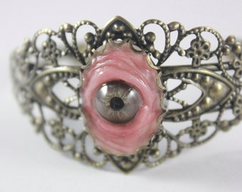 Small Light Hazel Eye Brass Filigree bracelet