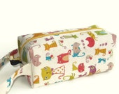 Boxy Bag Knitting Project Zippered Pouch - Imported Japanese fabric, Colorful Cats