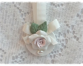 ORNAMENT Pink/White Rose Polymer Clay Shabby Chic ECS sct schteam svfteam
