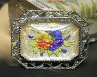 Vintage Goofus Glass Intaglio Paperweight Pin Flowers