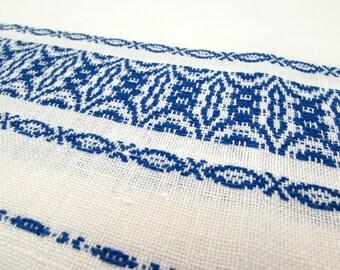Set of 2 - Vintage Linen Set - Simple - Blue Woven Border - Embroidered Linens - tea towel - napkin