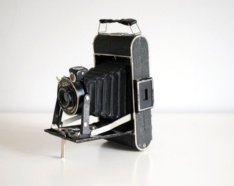 1930s Kodak Junior 620 Vintage Folding Camera Black Bellows German Photography Equipment Industrial Man Cave Decor Leather Case