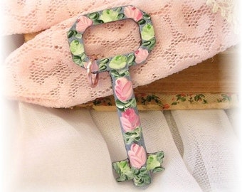 Antique Skeleton Key Pendant Hand Painted Roses Pink Light Green Flowers Blue Patina Shabby Chic Favor Gift Victorian Wedding Enamel Flowers