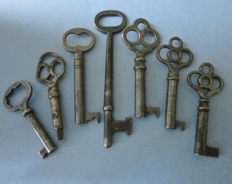7 Vintage Skeleton/Cabinet Keys