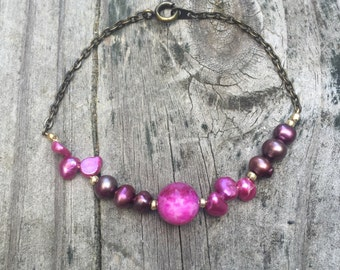 Pretty in Pink Agate Stone and Freshwater Pearl Beaded Bracelet with Brass Chain