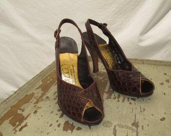Vintage 50s High Heels stamped Crocodile leather shoes faux crocodile gold metallic Shoes Peep Toe 50s high Heels 1950s slingback shoes 6