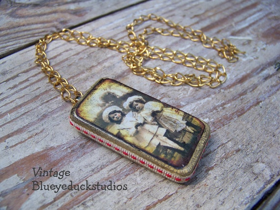 The TWiNS, artist made, altered art, domino pendant, necklace, vintage image, folk art, wearable art, collage, assemblage, Sisters, BFF