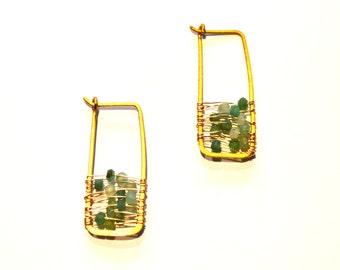 Gold Hoop Earrings / Hammered Brass Hoops / Wire Weaved Green Chalcedony Gemstones / Geometric Earrings / Modern Minimalist Earrings