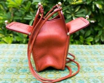 Vintage Coach 1960s Orange Red Swing LeatherBag Double Kisslock Satchel Bag Purse Crossbody Bonnie Cashin