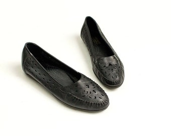 90s Vintage Cherokee Black Leather Soft Moccasin Loafer Flats / Size Us 9