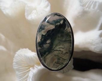 Beautiful Green Moss Agate Ring Size 8.5