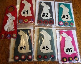 Pre-cut Wool Kit -- BUNNY -- Wool Penny Door Hanger Kit